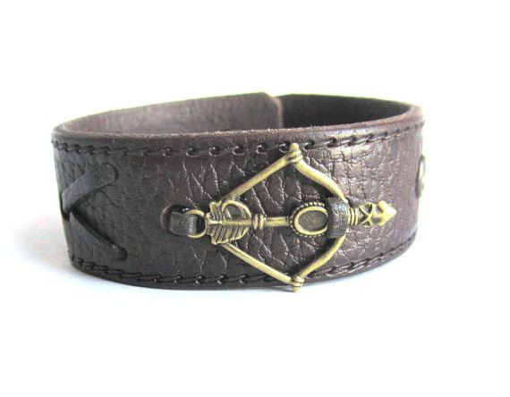 Mens arrow bracelet mens leather cuff bracelet by Bravemenjewelry