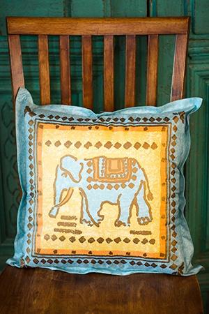 blue elephant love