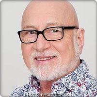 """Patrick Norman  compositeur du succès """"Mon coeur est à toi"""", Patrick atteint le statut de vedette avec la chanson """"Papillon"""", du film du même nom, chanson qu'il enregistre en français, en anglais et en espagnol."""