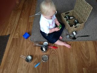 Cesta del tesoro con elementos metalicos. Metal Discovery Basket.