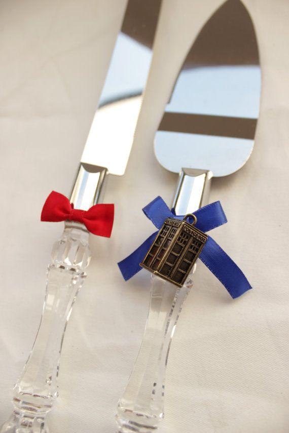 Dr. Who Wedding Cake Server and Knife Tardis by GeekeryandFandoms