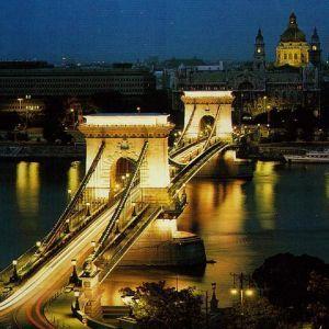 Budapesta, o destinatie romantica de Valentine`s Day  Budapesta este unul dintre cele mai frumoase orase din Europa, fiind perfect pentru o escapada romantica de Valentine`s Day.