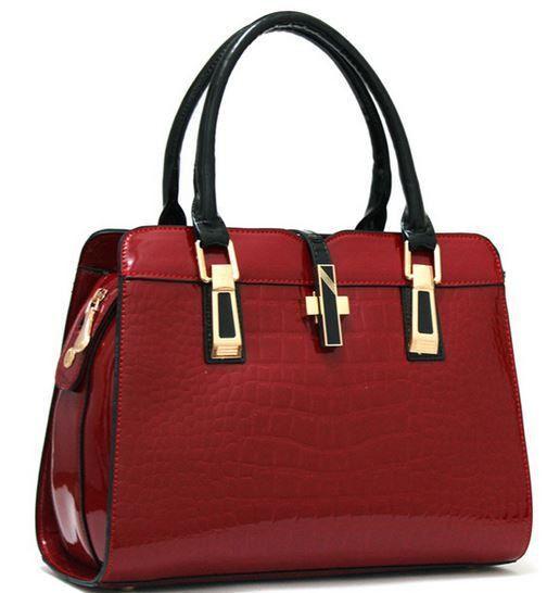 Best 25  Ladies leather handbags ideas on Pinterest   Purses for ...