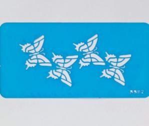 PLANTILLA DE CUATRO MARIPOSAS BUTTERFLY STENCIL Una plantilla flexible con 4 mariposas en una fila. Ideal para usar con el aerógrafo de Cassie Brown o con otras pinturas comestibles.