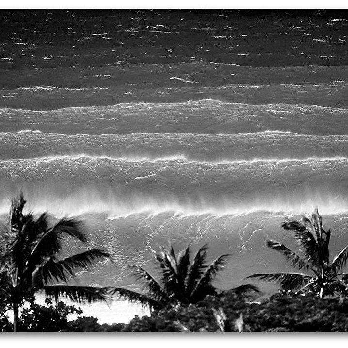We also make black and white BIG CANVAS prints!! #bigcanvas #bigart @sean_davey #colossal