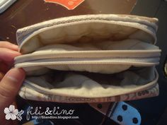 FiliLino Crafting Haven: Tutorial: Double Zippers Pouch