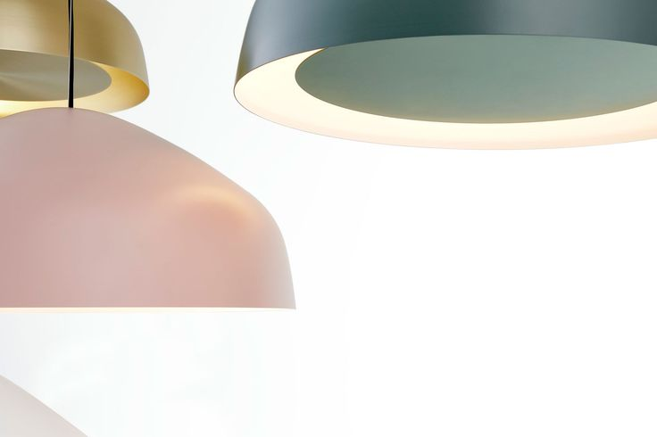 Sitting between the timeless and the contemporary, the Ora pendant by Ross Gardam features a floating disk surrounded by a beautifully gentle glow.