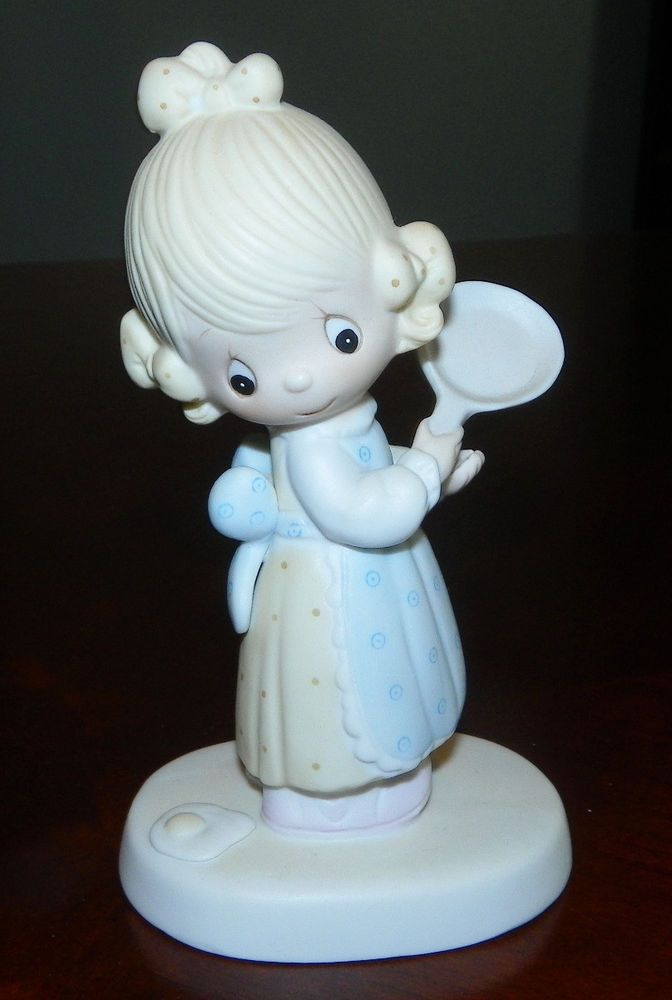 Retired EGGS OVER EASY Precious Moments E3118 $75 Value Girl with Frying Pan
