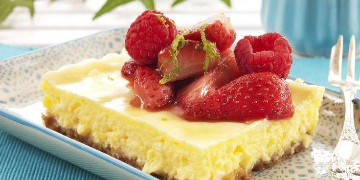 Bakt ostekake med jordbær
