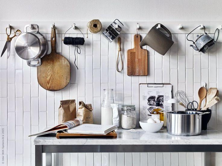 ikea_kubbis knoppbräda och marmorskiva på rostfritt underrede från IKEA  styling:Pella Hedeby