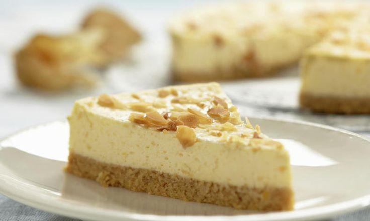 Tvarohový dezert může být i dietní, že nevíte jak na to? Zkuste fitness cheesecake z ovesných vloček a mlsejte zdravě i při dietě. Tesco recepty - čerstvá inspirace.