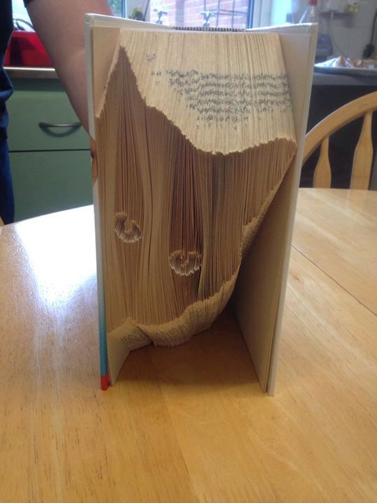 Peeping cat folding book art pattern. Book folding by BookArtCo