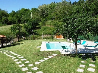 Holiday Barn in Puglianella, Nr. Lucca, Lucca Province, Tuscany, ItalyIT9332