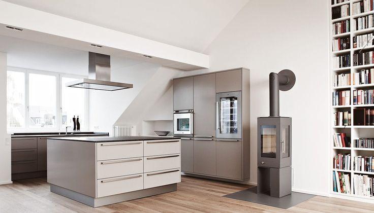moderne k che aus stein holzfurnier kochinsel maisonette bonn eggersmann k chen gmbh. Black Bedroom Furniture Sets. Home Design Ideas