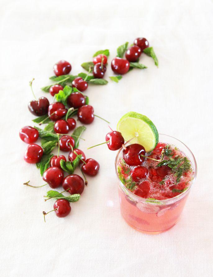 A Bubbly Life: Cherry Mojito Cocktail Recipe