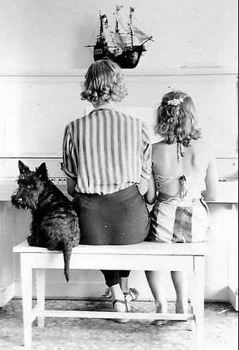 Reminds me of your furry baby Crystal!!! Vintage photo of Scottie dog at the piano