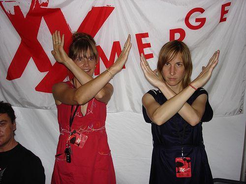 Julia Rydholm and Sasha Bell of The Ladybug Transistor & The Essex Green