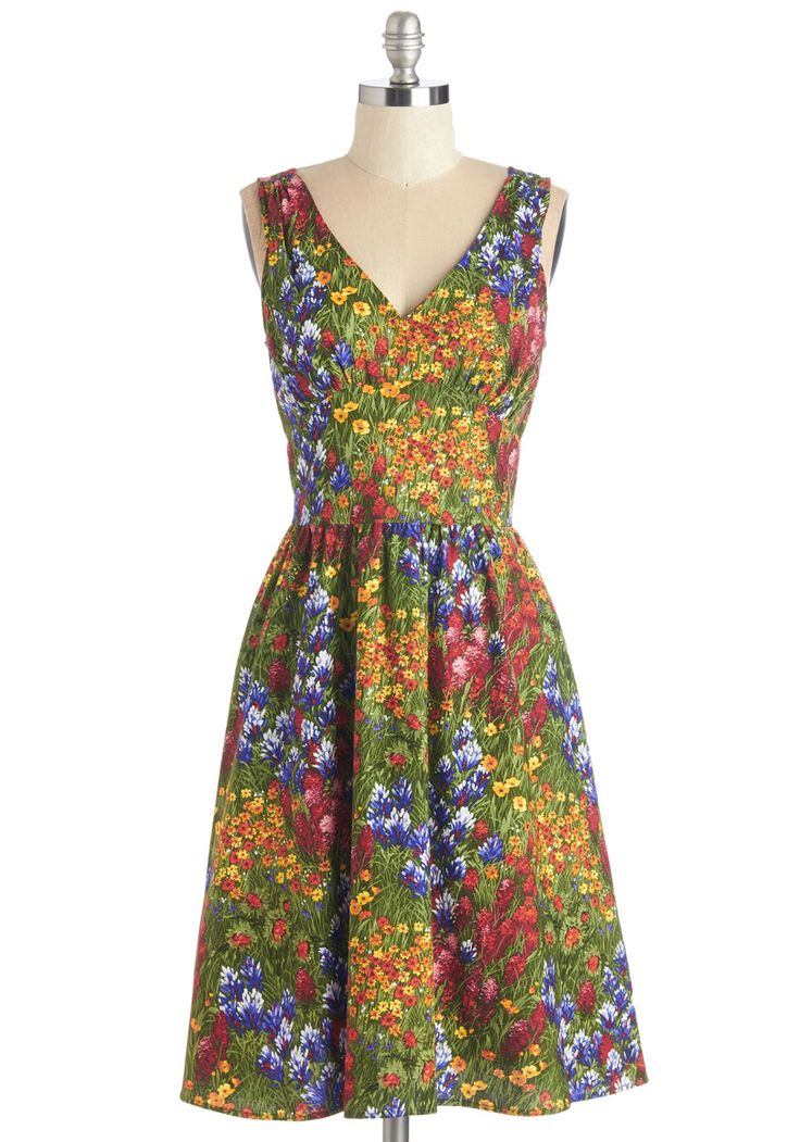 I Field Good Dress. Inspire pastoral poetry when decked out in the vivid florals of this vintage-inspired midi dress! #multi #modcloth