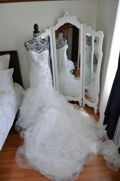 Bass and Kristine  Dress: Bizzaro Bridal Couture  Hair and Makeup: Graffiti Face  Bridesmaid Dresses: Dollhouse