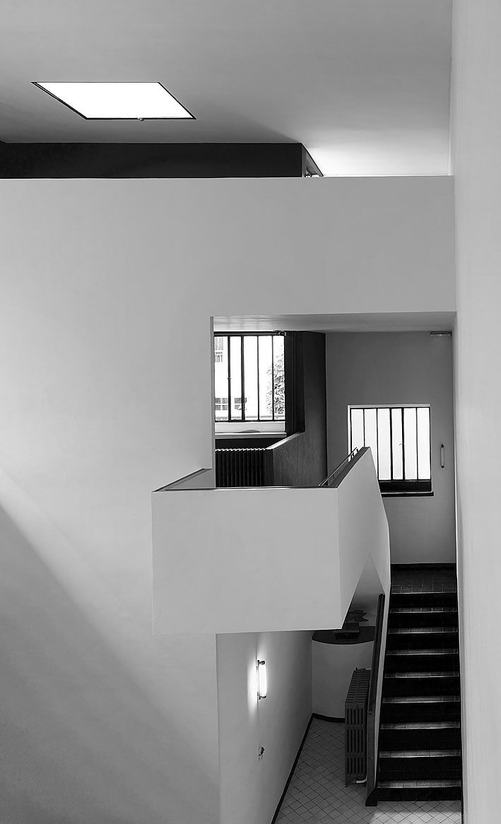 Le Corbusier – Charles-Édouard Jeanneret-Gris (1887-1965)   Maisons La Roche et Jeanneret   1923-25   Rénové par Charlotte Perriand en 1928   Abrite aujourd'hui la Fondation Corbusier Le Corbusier Foundation in Paris