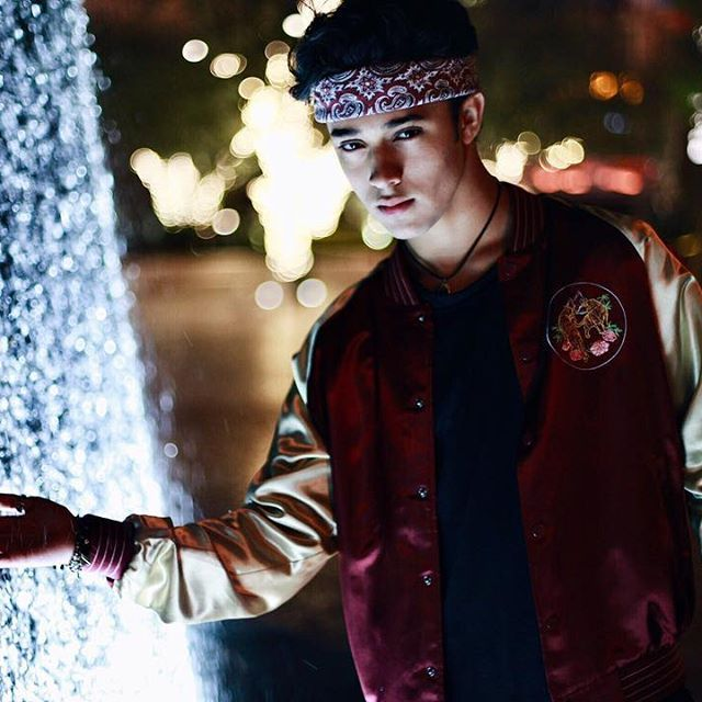 Everything in Vegas is full of lights, including the water... #cnco #lasvegas