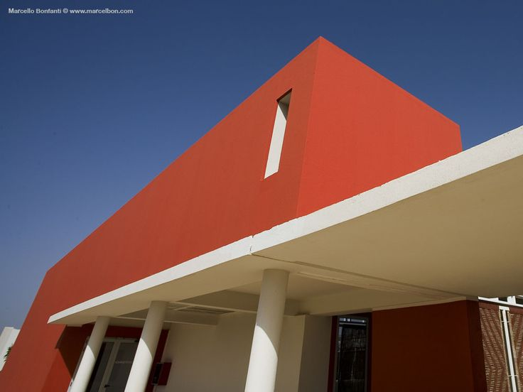 Ecco gli scatti del Centro Cardiologico Salam di Khartoum, in Sudan. Il progetto, dello studio TAMassociati, è stato realizzato con prodotti Casalgrande Padana. Le foto sono state realizzate da MarcelloBonfanti #hospitals #design #architecture #ceramics