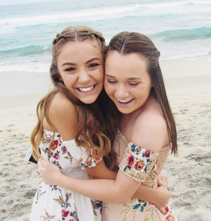 cute beach picture ideas!!