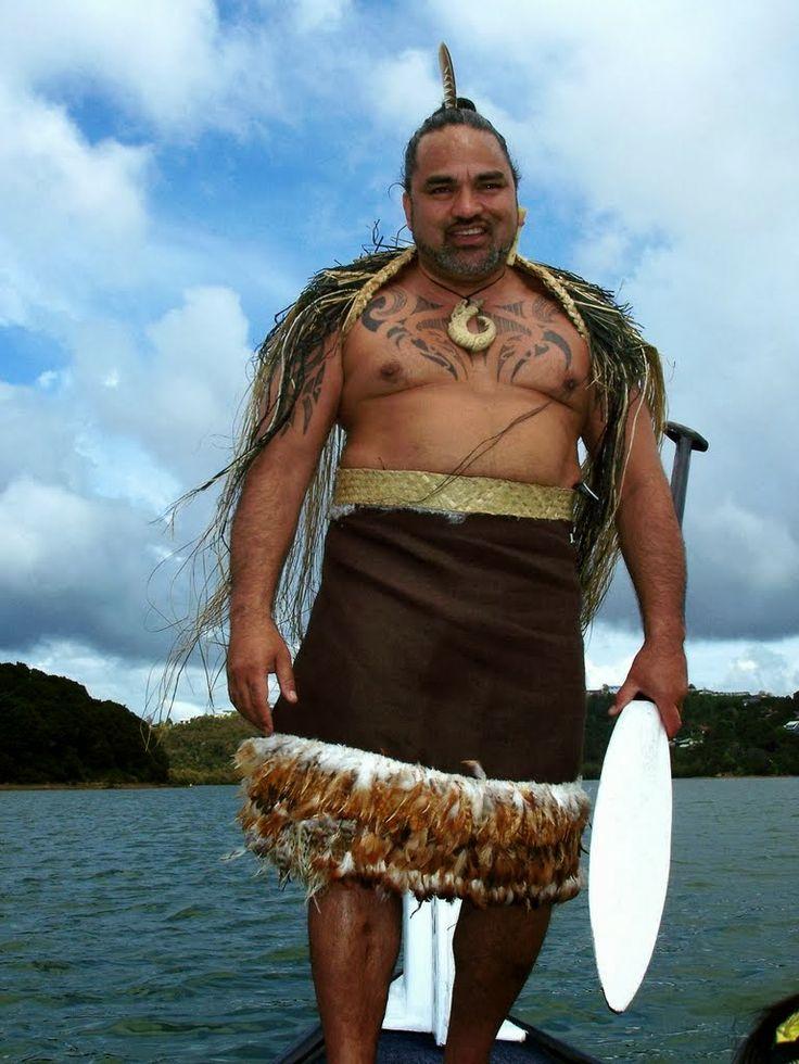 Впервые отправившись в культурологическую экспедицию по северной части Северного острова Новой Зеландии в компании Хоне Михака, вождя одного из маорийских племен, мне порой казалось, что я повстречалась с самым настоящим Чингачгуком. Хоне – невероятно харизматичный, мудрый и добрый мужчина, с замечательным чувством юмора.   Ahipara Luxury Travel New Zealand #новаязеландия #зеландия #гид #туры #достопримечательности #маори #культура #традиции #вождь