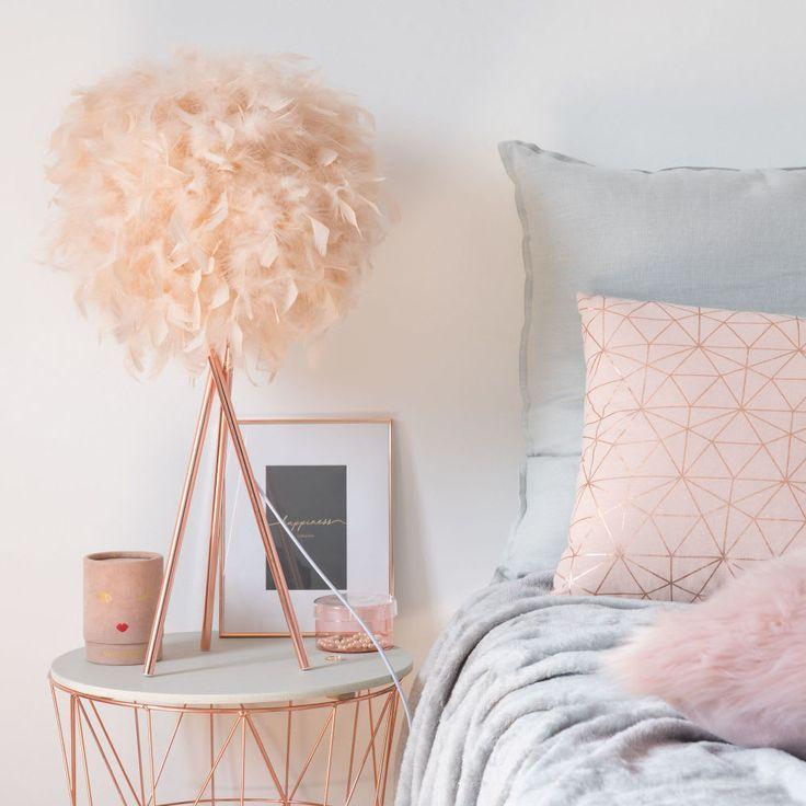 Lámpara de metal y pantalla de plumas rosas Decor Pinterest - Chambre De Commerce Franco Suedoise
