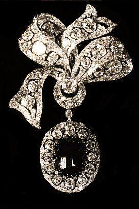 Le fotografie perdute di quattro gioielli della corona russa dei Romanov