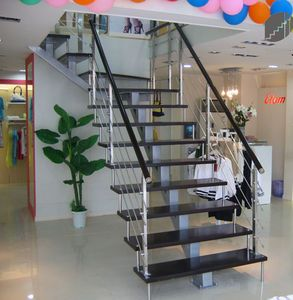http://img.archiexpo.com/images_ae/photo-m2/quarter-turn-staircase-glass-steps-metal-frame-open-68941-1761909.jpg