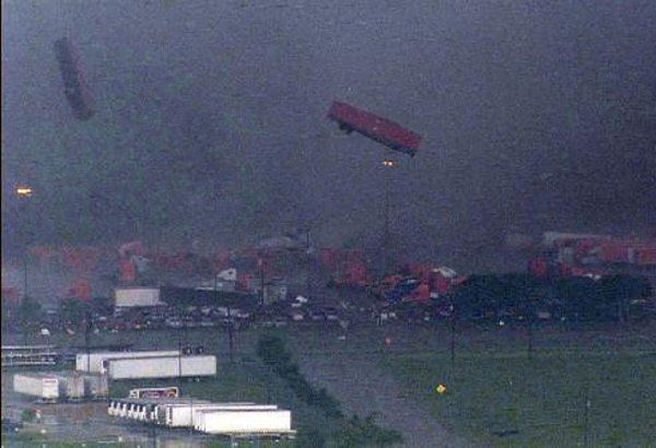 oklahoma city tornado 2013 | Dallas Fort Worth Tornadoes Touch Down Near Simpli.fi Headquarters ...