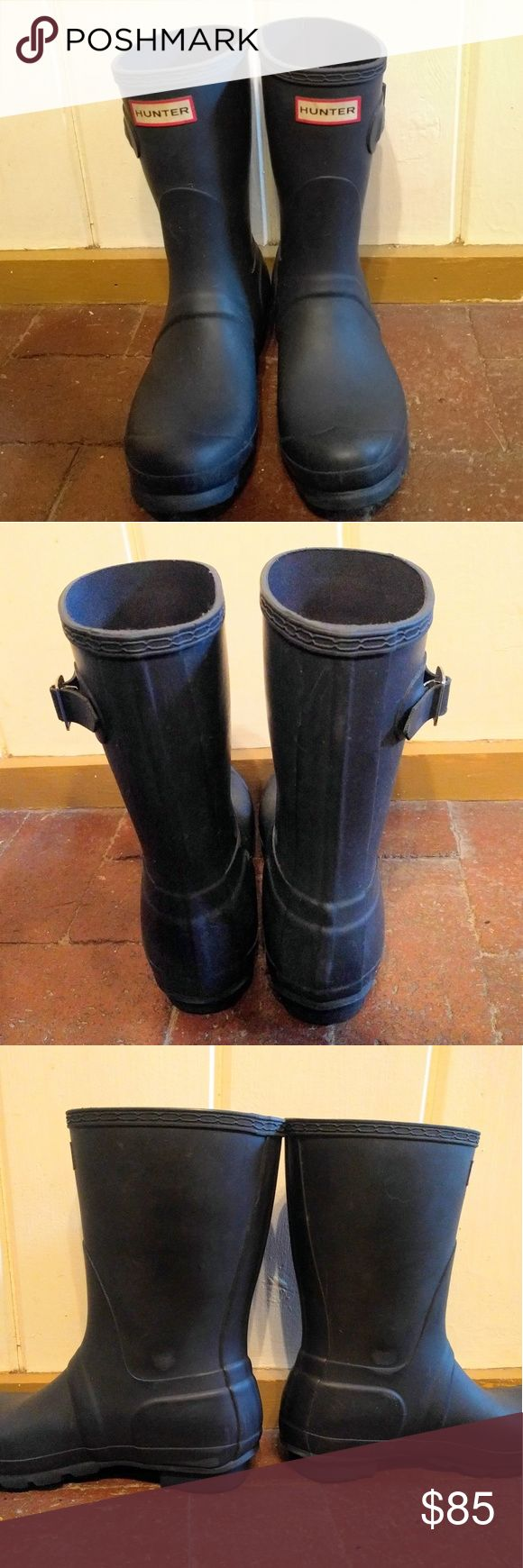 Hunter Original Short Navy Boots Used for one season, in good condition. Some scuffing/minor scratches, but mostly in really good condition. Hunter Boots Shoes Winter & Rain Boots