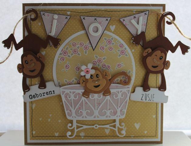 Gemaakt door Joke # babykaart met aapjes, geboren: de broertjes hebben nu zusje Joy