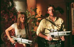 Catherine McCormack and Edward Burns in A Sound of Thunder (2005)