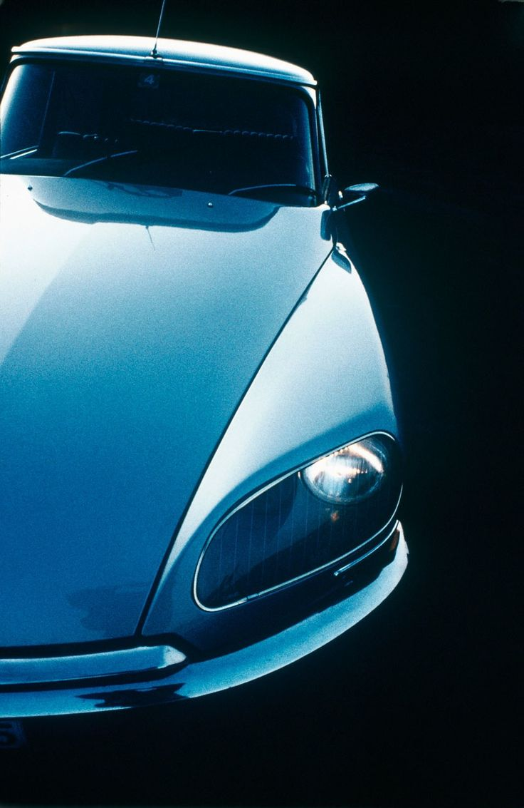 Citroën DS. styled by Italian designer Flaminio Bertoni and French aeronautical engineer André Lefèbvre (1955-75)