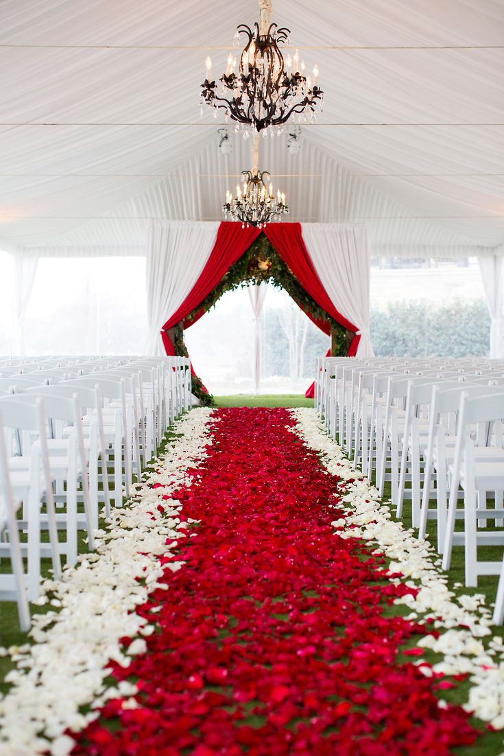 Classic Christmas Wedding Inspiration | Red, green, and white aisle perfect for a Christmas wedding! | Planner: DFW Events, dfwevents.com | photo: Sarah Kate, Photographer
