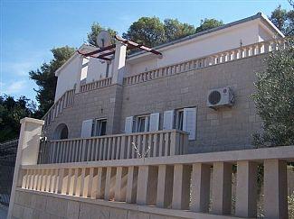 Villa rentals in Bobovisca, Dalmatian Coast, Island of Brac, Croatia CR709