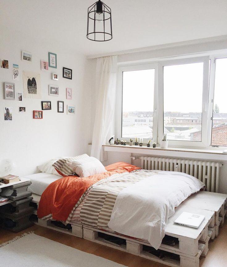 Hello :) ich vermiete vom 1.10.16 - bis 30.01.17 mein 27qm Apartment in Düsseldorf. Lage: Düsseldorf Bilk (coolstes Viertel)! 3 Haltestellen zur Altstadt, sehr gute Einkaufsmöglichkeiten, ÖVM vor der Tür. Für weitere Infos könnt ihr mich gerne kontaktieren. ❣❣ #düsseldorf #Bilk #flat #summerdays #germany #interior #details