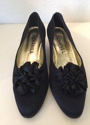 Kaufe meinen Artikel bei #Kleiderkreisel http://www.kleiderkreisel.de/damenschuhe/ballerinas/145768500-original-chanel-schuhe-pumps-36-schwarz-gold-leder-seide-ballerinas-shoes-black