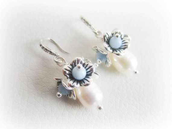 Freshwater pearl earrings floral earrings by MalinaCapricciosa