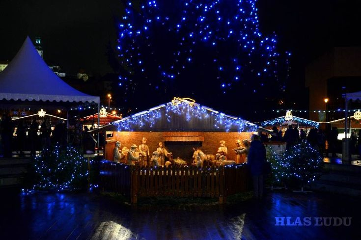 Už dnes sa začínajú Vianočné trhy v Nitre, ktoré patria medzi obľúbené akcie našich študentov