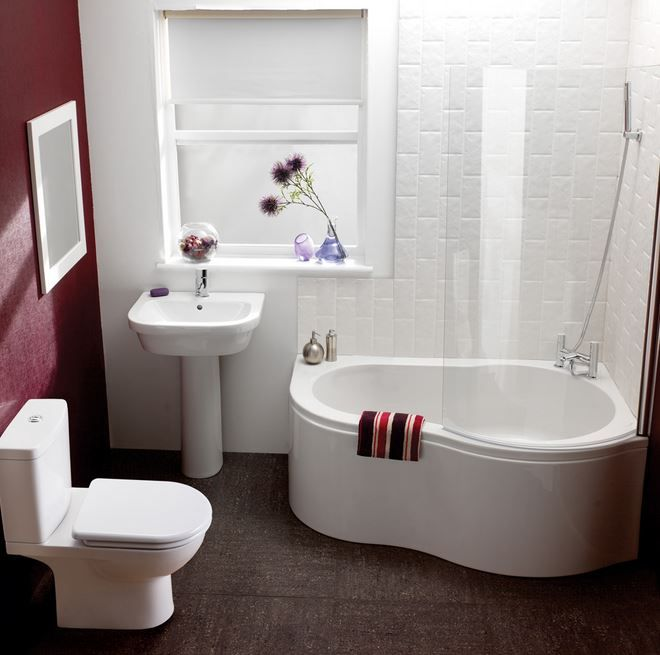 Cozy Small #Bathroom Ideas. Love the space-saving corner tub!