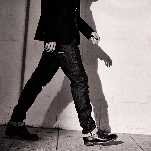 SAAT #aw16 collection available at @saatmunich.com #selvedgedenim #japanesedenim #denim #selvedge #dailydenim #saat #jeans #indigo #onewash #onewashdenim #fashion