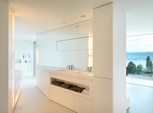 Bathroom inside the Feldbalz House by architect Gus Wustemann _