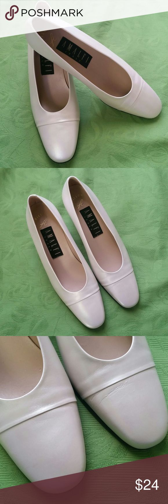 """Amalfi Pearl Leather Pumps Size 7.5B Made in Italy A fabulous pair of pearl leather pumps by Amalfi in excellent preowned condition. Size 7.5B. Made in Italy. Leather has a soft sheen like a pearl. 2.25"""" block heels. Pillow technology for comfort. Amalfi Shoes Heels"""