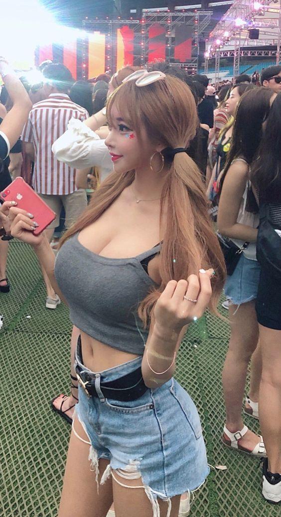 Asian girl #asiagirl