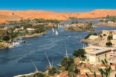 Nijlcruise 5&Stella Di Mare 5  Description: Inclusief: 7 nachten in 5 Stella Di Mare (voorheen Stella Makadi Beach) o.b.v. All Inclusive. 7 nachten 5 cruise op basis van volpension (M/S New Serenade of gelijkwaardig). Begeleiding van een Nederlandse of Engelstalige gids. Alle transfers. Retourvlucht van/naar Hurghada. Exclusief: Entree- en servicegelden voor het onderstaande programma tijdens de Nijlcruise (optioneel te voldoen bij aankomst) ? 149 - per persoon. Kinderen van 2 t/m 11 jaar…