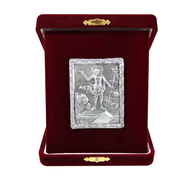 "Icon of the Resurrection from the cover of a gospel made of silver with local gold plating with central representation of the ""Descent into Hades"", dating around 1693. On the reverse, Saint Sava is depicted with scenes from his life and the Annunciation.  The copy is made of pure silver 999° and place into a burgundy velvet case.  Dimensions icon: 6 cm x 5 cm x 3 cm Dimensions with velvet case: 10,5 cm x 13 cm x 3 cm"
