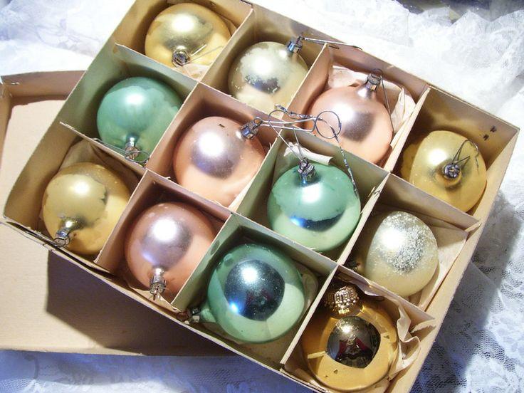 Sehr alte weihnachtskugeln mit zauberhaftem karton von gl ckstags vintage pr ttelchen auf - Weihnachtskugeln vintage ...